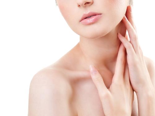 首の筋肉痛を解消するテクニック5選!首が痛む原因や治し方を大公開