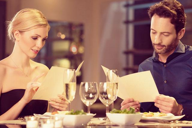 育ちがバレる? レストランで男性を幻滅させる7つのNGマナー