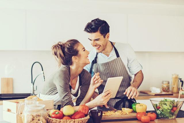 幸せいっぱいの結婚生活だけど…新婚さんがついつい気になってしまうこと6つ