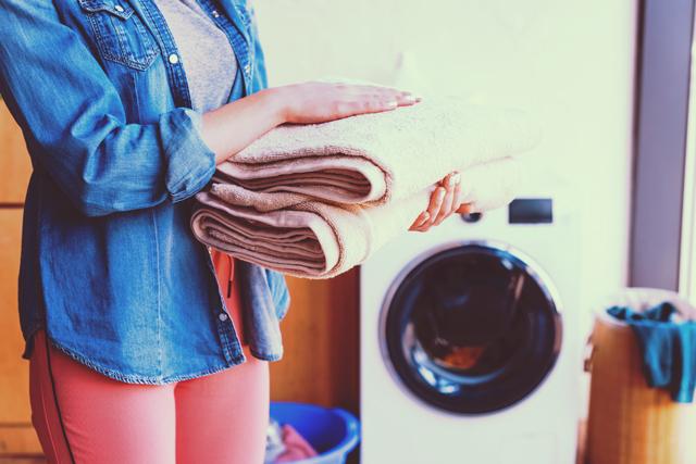 「良い香りだね」って言われたい! 梅雨時も洗濯物を良い香りに仕上げるテクニック