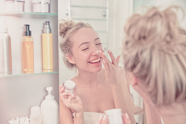 シミやそばかすを防いで透明感のある肌に! 夏におすすめの美白乳液4選
