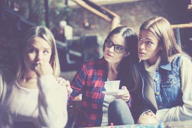 悪気はなくても気に障るかも…女子会で避けるべきワード4選